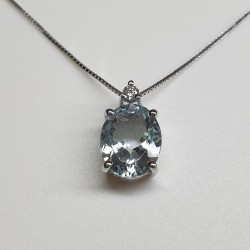 Armonie-by-Progetti-Oro-girocollo-oro-bianco-acquamarina-taglio-ovale-e-diamanti-p4ci