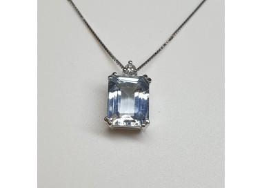 Armonie-by-Progetti-Oro-girocollo-oro-bianco-acquamarina-taglio-rettangolare-e-diamanti-p4r4