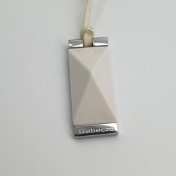 Rebecca-Ciondolo-acciaio-lucido-e-agata- bianca-Xchsob02