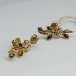 Orecchini-in-oro-giallo-con-diamanti-e-zaffiri-taglio-navette-ngla