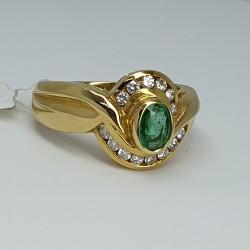 anello-oro-giallo-smeraldo-taglio-ovale-diamanti-taglio-brillante-Cv1960-g1