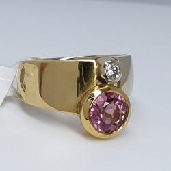 Manfredi-Anello-oro-giallo-e-oro-bianco-con-diamante-taglio-brillante-e-tormalina-rosa-Mf3a6ro44-g1