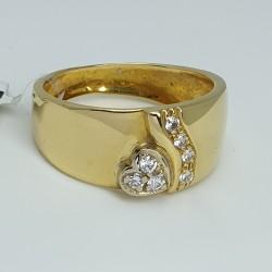 Anello-fascia-oro-giallo-con-diamanti-taglio-brillante-ne2p