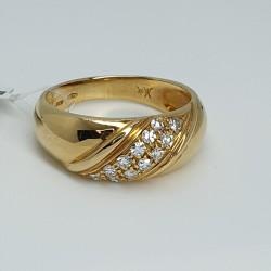Anello-oro-giallo-con-diamanti-taglio-brillante-ntnu
