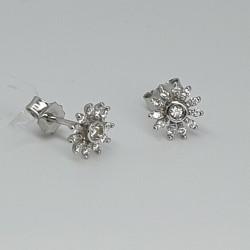 urigold-orecchini-a-lobo-fiore-oro-bianco-con-diamanti-taglio-brillante-or7m