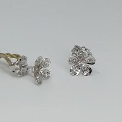 dgi-orecchini-a-lobo-fiore-oro-bianco-con-diamanti-taglio-brillante-or76