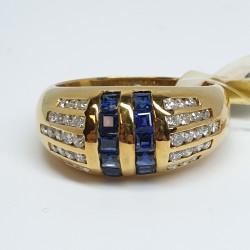 anello-fascia-oro-giallo-diamanti-taglio-brillante-e-zaffiri-taglio-carre-