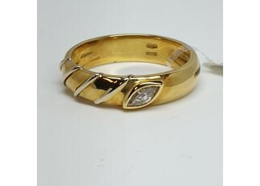anello-oro-giallo-con-diamante-taglio-navette-ct012