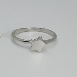 anello-in-oro-bianco-lucido-con-stella