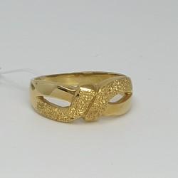 anello-in-oro-giallo-con-lavorazione-sabbiata