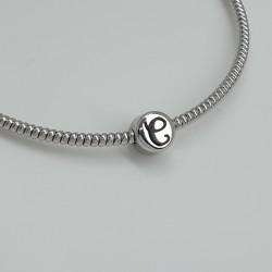 nanan-cursore-argento-rodiato-lucido-lettera-c-incisa-smalto-nero